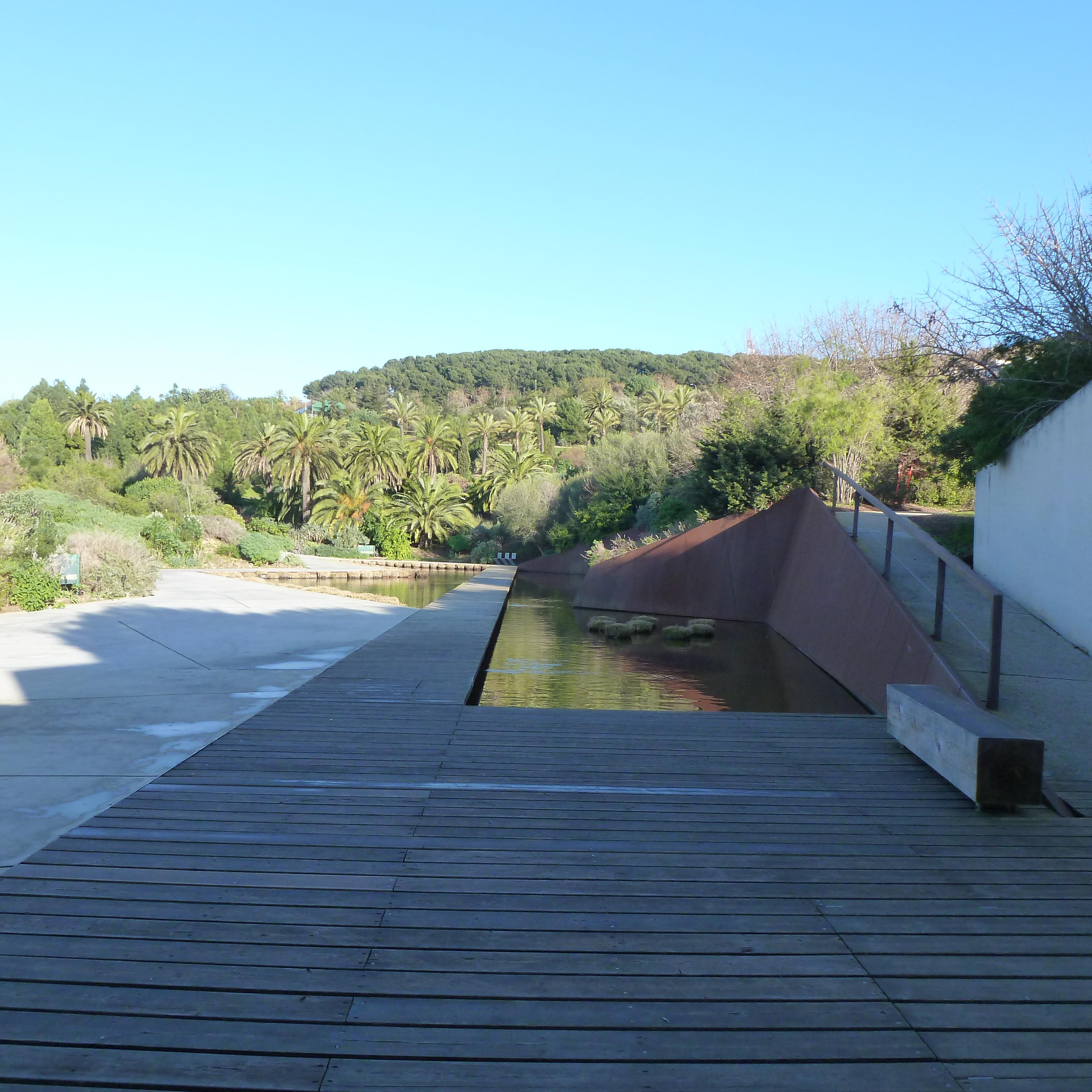 Jardins d ailleurs le jardin botanique de barcelone for Jardin botanique barcelone